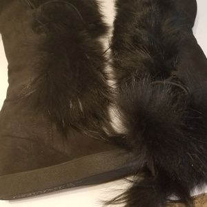 AQUATALIA COLETTE SUEDE RACCON  FUR AND SHEARLING